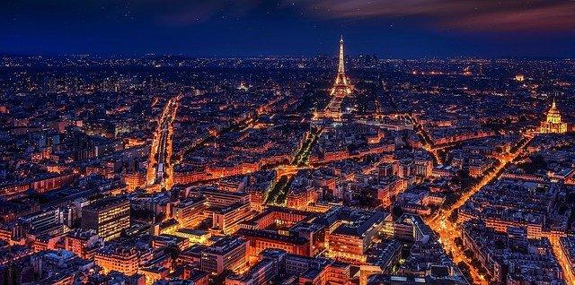 Choisissez la couleur de la Tour Eiffel!