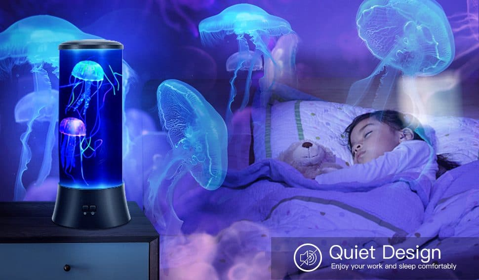 Une lampe à méduses comme veilleuse de nuit